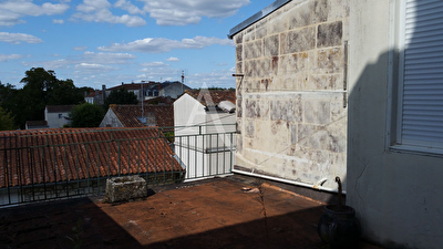 Appartement Triplex- SAINTES